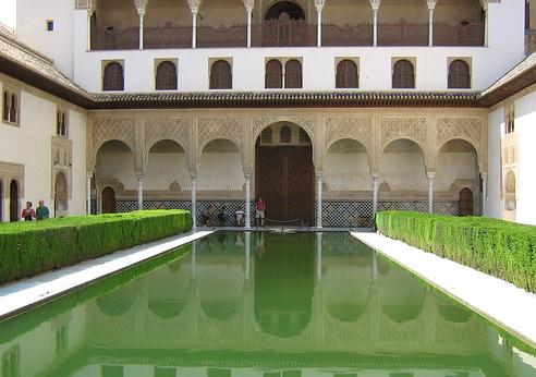 Entradas La Alhambra Cómo comprar entradas para La Alhambra y evitar las colas de entrada a tu llegada.