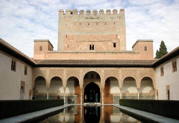 La Alhambra, visita obligada en Granada