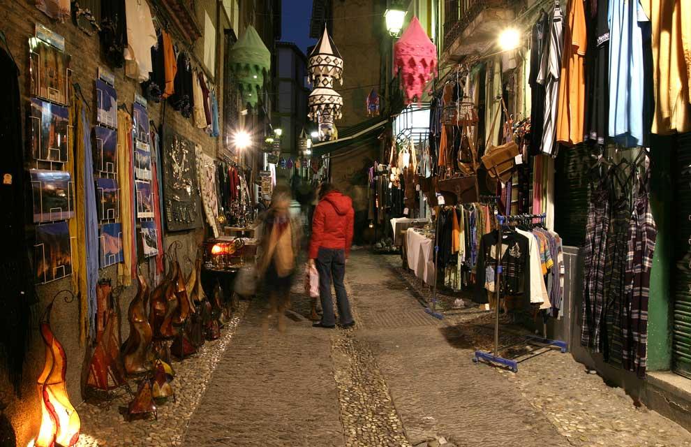 Calle Calderería, un rincón con encanto en Granada